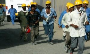 n18-Burj_Dubai_Construction_Workers_on_4_June_2007