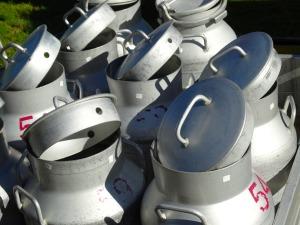 n60_milk-cans-493708_1920