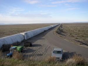 Bras nord de l'interféromètre LIGO à Handford, (États-Unis).