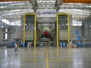 Airbus : un exemple de complémentarité des métiers de réalisation, de contrôle, de conception et d'expertise : un défi majeur pour la lutte des classes capital/travail.
