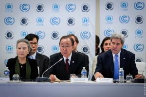 N38_Ouverture du forum Caring for Climate Business Forum par Ban Ki Moon et John Kerry lors de la conférence des Nations Unies sur les changements climatiques - COP21 Paris